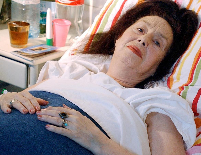 Frau brachte mit 66 Jahren eine Tochter zur Welt - So